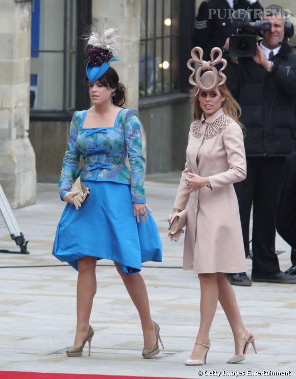Pour le mariage du Prince William et de Kate Middleton, la Princesse Béatrice a choisi un ravissant bibi frontal, telle une sculpture. Plus insolite, y'a pas.