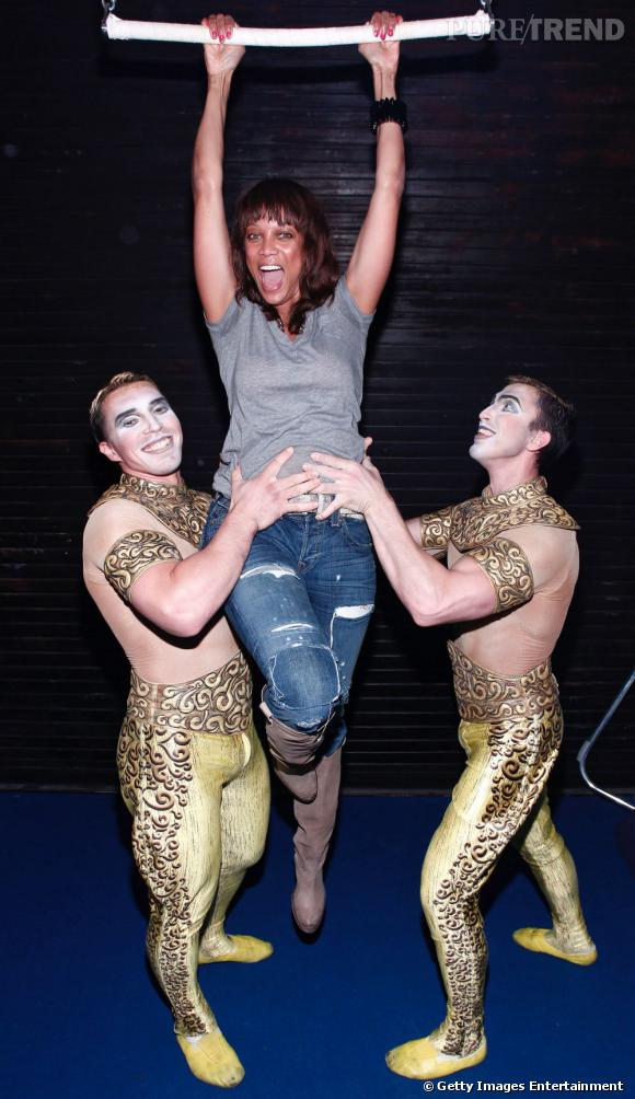 Tyra Banks visite le Cirque du Soleil Zarkana à New York.