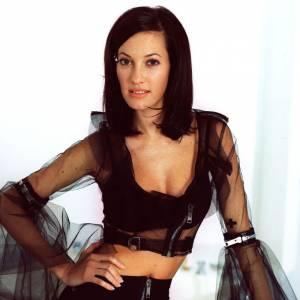 Mareva Galanter, en mode 60's après avoir été élue Miss France 1999.