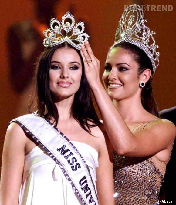La première Miss Univers russe est élue en 2002, il s'agit de Oxana Fiodorova.