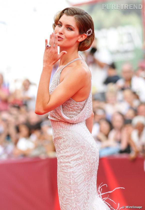 Vittoria Puccini était elle aussi parée par Bulgari pour son apparition sur le red carpet.