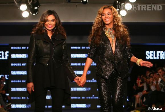Beyoncé au défilé house of Dereon de sa mère à Londres.