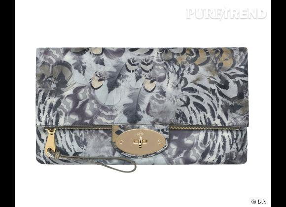 Zoom sur les plumes !     Pochette Mulberry, 565 €.   Sur  www.mulberry.com