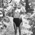 Le tout premier des hommes-objets : Johnny Weissmuller dans son rôle de Tarzan.