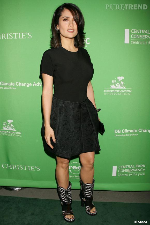 d395b024209d Le flop idée chaussure   avec cette jolie petite robe noire