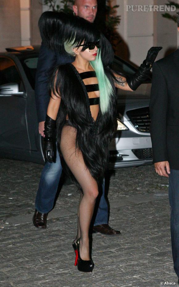 L'adage de Lady Gaga : jamais sans mes Daffodile !