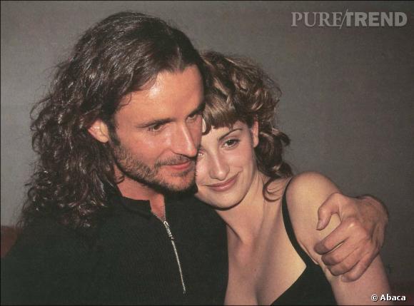 De 1991 à 1998, Penelope Cruz sort avec Nacho Cano, un beau musicien.