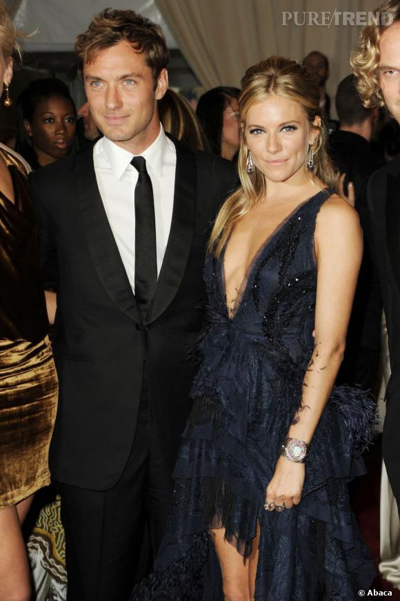 Jude Law et Sienna Miller : le couple glamour d'Hollywood a vécu une belle histoire de 2003 à 2006. Puis après une longue rupture ils décident de se remettre ensembles l'an dernier... Nouvel échec.