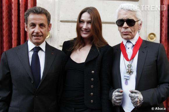 En 2010, Karl Lagerfeld devient Commandeur de la Légion d'Honneur pour son travail chez Chanel.