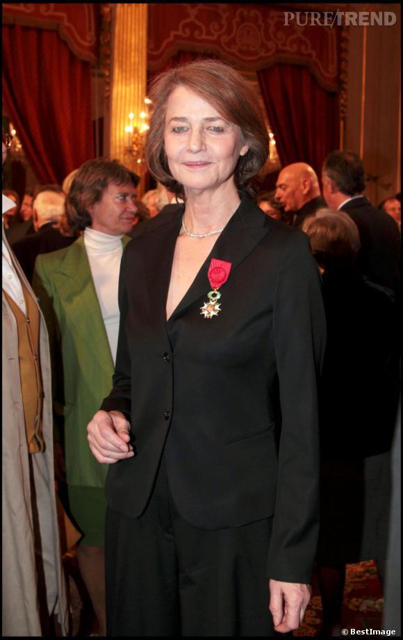 L'actrice Charlotte Rampling rejoint l'odre de la Légion d'honneur en 2011.