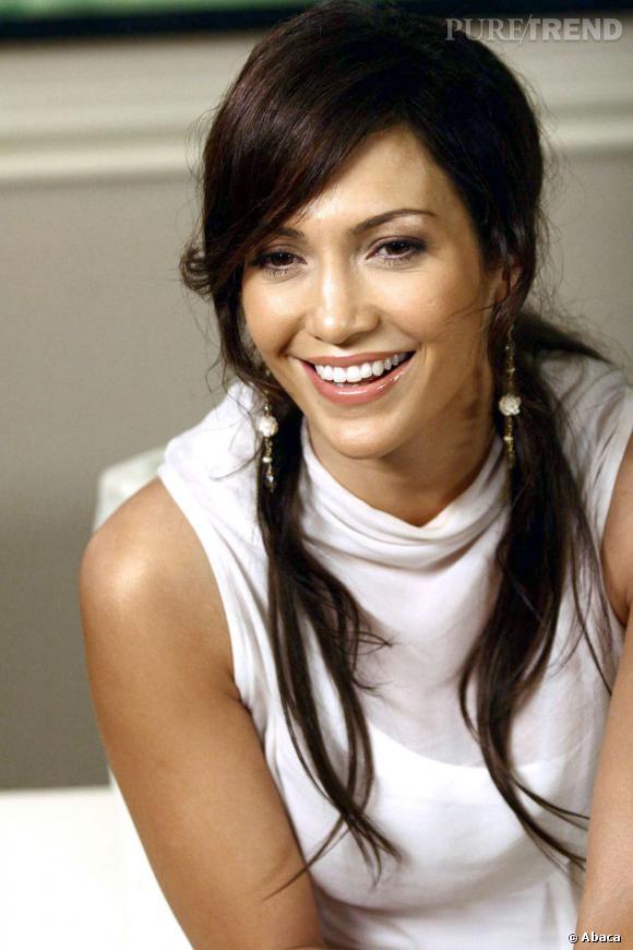 Jennifer Lopez est très chic en 2006 avec cette demi-queue basse brune.