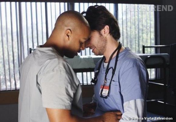 """A l'écran, dans la série """"Scrubs"""", ils sont J.D et Turk, les amis inséparables. Dans la vie, c'est encore pire : Zach Braff et Donald Faison sont meilleurs amis et ne le cachent pas !"""