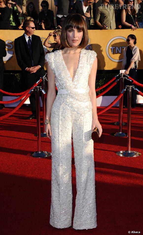 Rose Byrne opte pour une combi-pantalon Elie Saab... Absolument éblouissante.