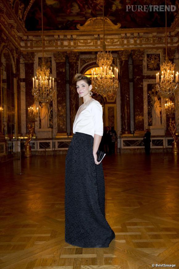 Clotilde Courau invitée à un gala de charité pour l'association AVEC à Versailles.