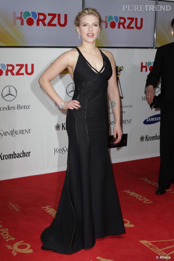 Scarlett Johansson, l'art de sublimer ses courbes sur red carpet.