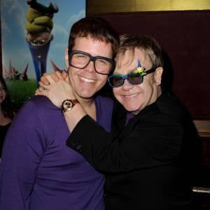 Perez Hilton, icône gay ne pouvait que s'entendre avec Elton John. Là évidemment, pas de critique non plus.