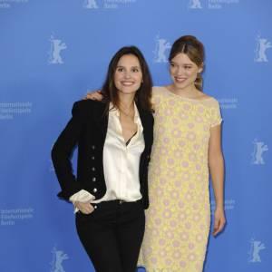 Virginie Ledoyen en Chanel au côté de Léa Seydoux.