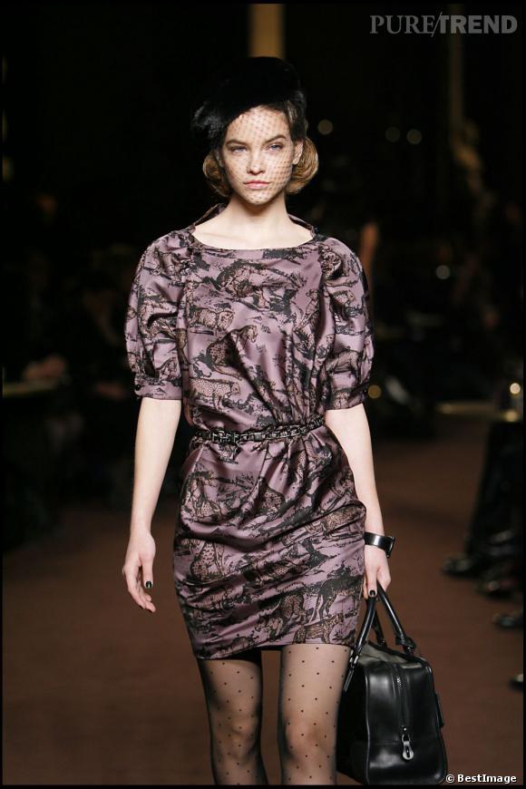 Visage de poupée mais pas que, Barbara Palvin est la nouvelle égérie L'Oréal Paris.