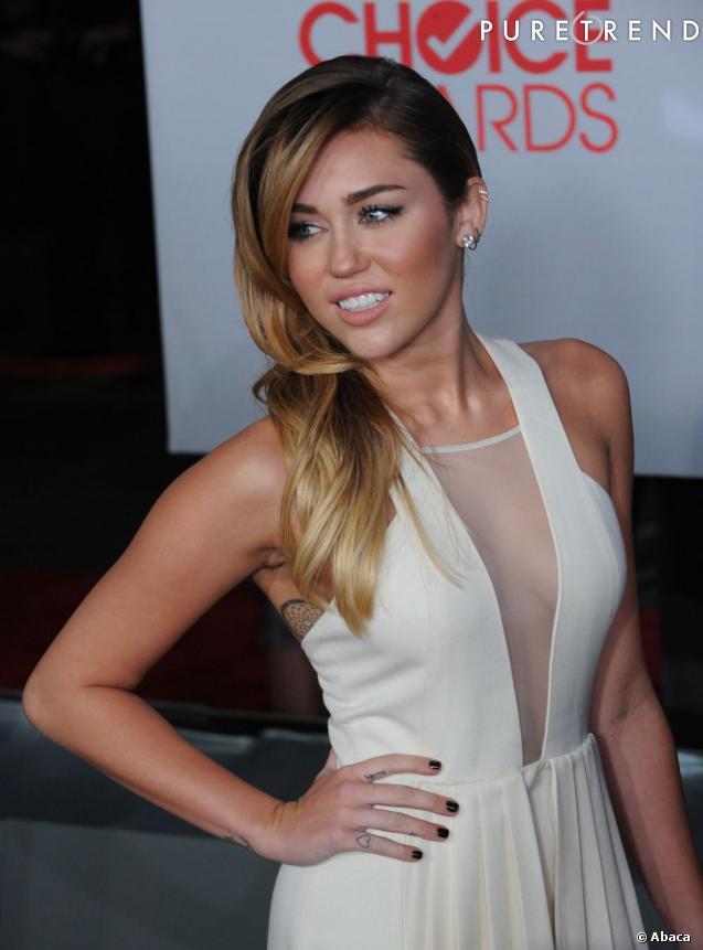 Miley Cyrus, l'enfant rebelle de Disney accro aux tatouages.