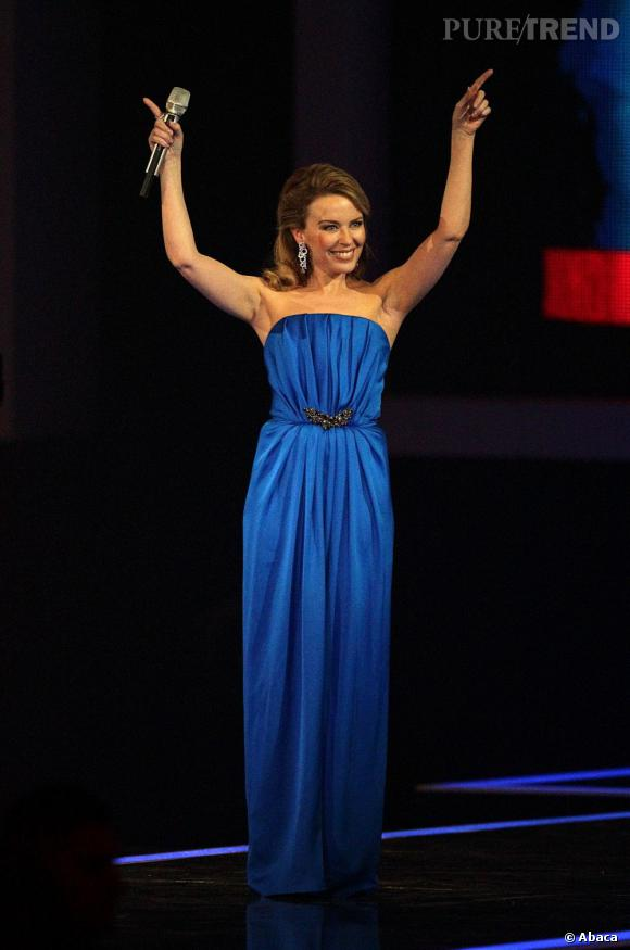 Kylie Minogue est l'une des présentatrices de la cérémonie des Brit Awards 2012.