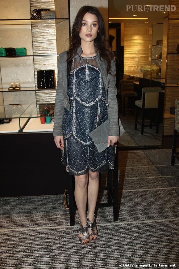 Astrid Bergès Frisbey en Chanel Couture Printemps-Eté 2012.