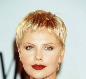 L'evolution capillaire de Charlize Theron