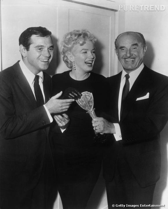 En 1949 Marilyn sort le temps de quelques soirées avec Milton Greene, à gauche sur la photo.