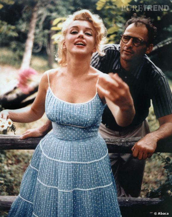 """De 1955 à 1961 Marilyn Monroe est avec son troisième et dernier mari : Arthur Miller. Une relation tumultueuse née alors, entre amour et infidélités. Finalement, l'écrivain dit les pires horreurs au sujet de sa femme : """" C'est un monstre narcissique et méchant qui a pris mon énergie et m'a vidé de mon talent""""."""
