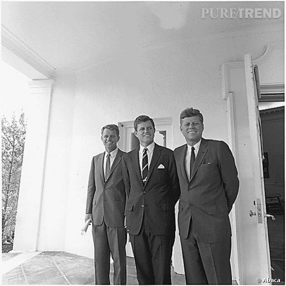 Marilyn Monroe est aussi sortie avec Robert F. Kennedy en 1962 peu de temps avant sa mort. Ici à gauche sur la photo.