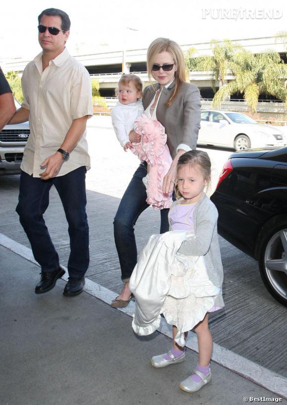 Nicole Kidman en famille à l'aéroport de Los Angeles.