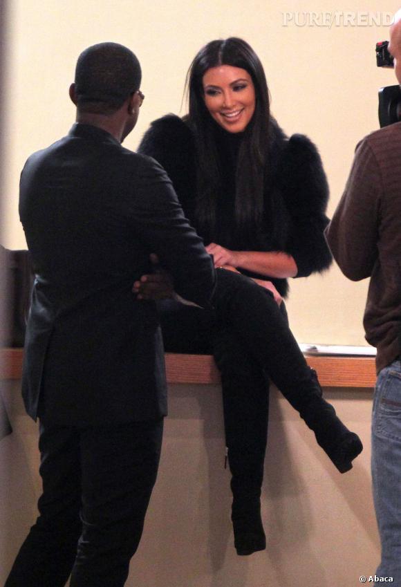 Kim Kardashian et Kanye West sur le tournage du show télé des soeurs Kardashian.