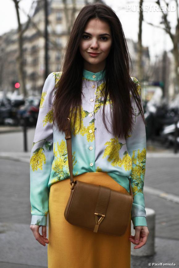 """Le modèle """"YSL Chyc"""", où le sac de dame d'inspiration vintage revisité par la maison Yves Saint Laurent.  A shopper ici : www.ysl.fr"""