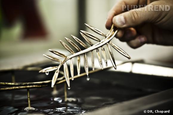 La version finale, en or 18 carats est ensuite réalisée, et passera par plusieurs bains de nettoyage.