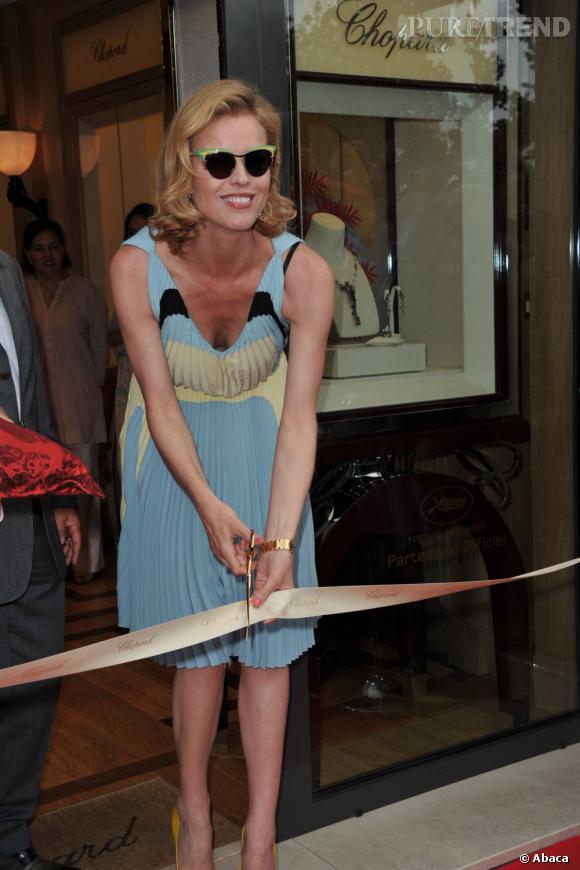 Eva Herzigova inaugure la boutique Chopard à Cannes.