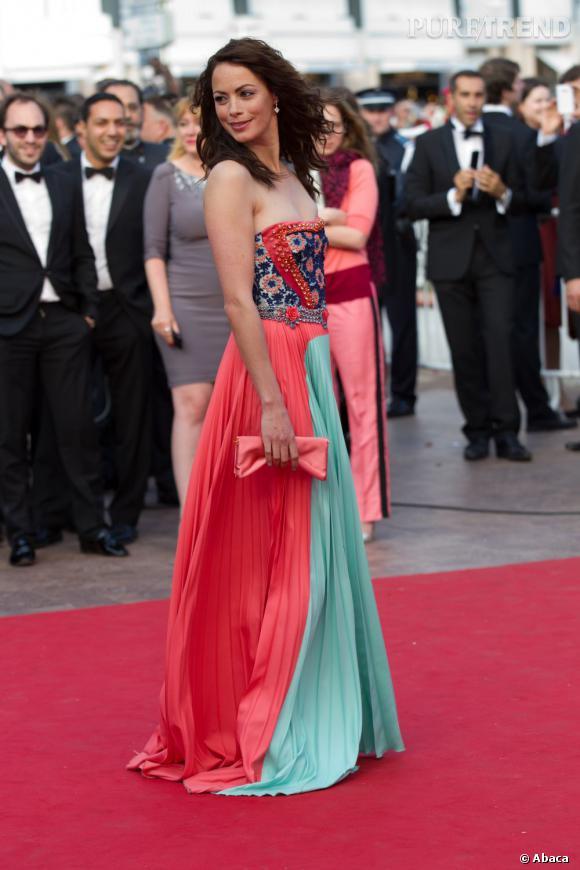 """Berenice Bejo lors de la montée des marches de """"Lawless"""" à Cannes."""