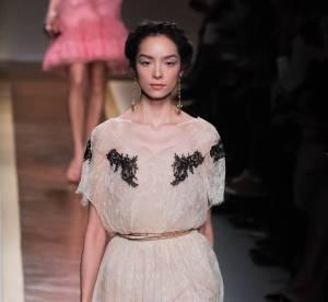 Comme sur les podiums Eté 2012 : adoptez le style romantique sensuel de Valentino