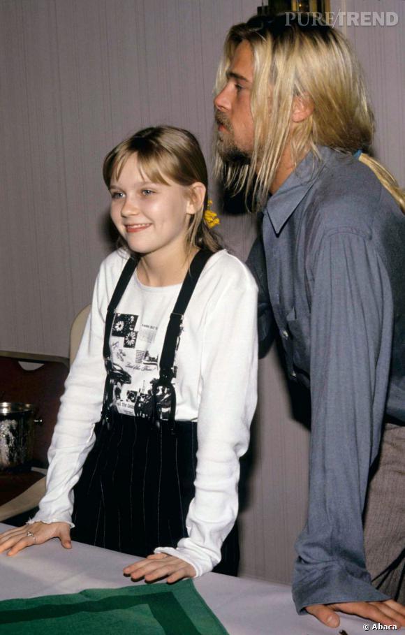 En 1994, pour les besoins du film  Entretien avec un vampire , Brad Pitt se laisse pousser les cheveux longs blonds avec racines apparentes.