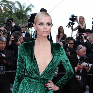 Sur le red carpet : Natasha Poly.