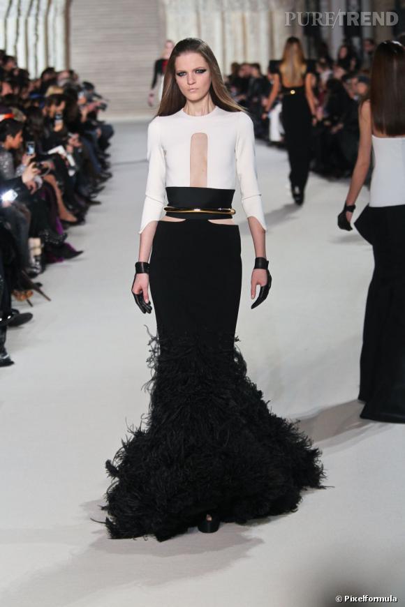 Sur le podium :  Stéphane Rolland Haute couture Printemps-Été 2012.