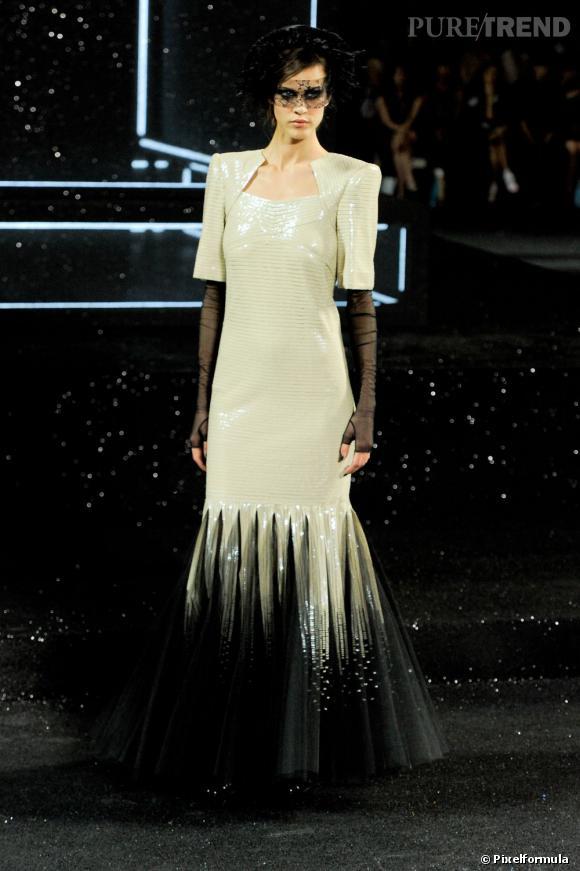 Sur le podium :  Chanel Haute Couture Automne-Hiver 2011/2012.