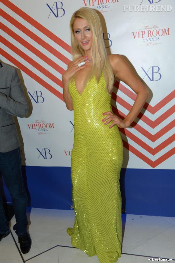 Le flop vert pomme : Paris Hilton, rien ne va plus.