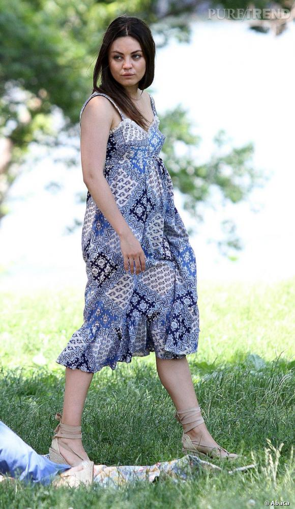 """Mila Kunis sur le tournage du film """"Blood Ties"""" à New York le 29 mai."""