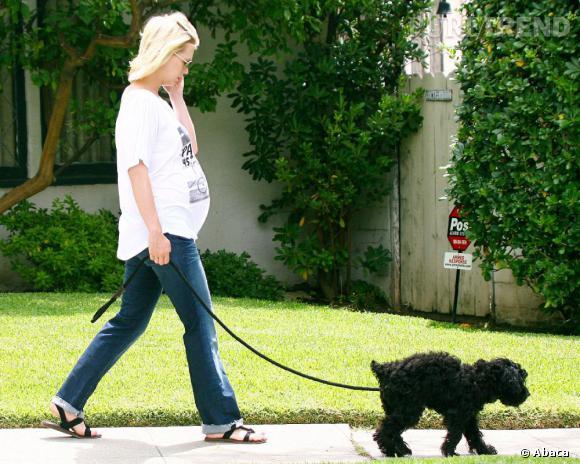 ... Même enceinte, l'actrice et mannequin January Jones reste époustouflante. Rageant !
