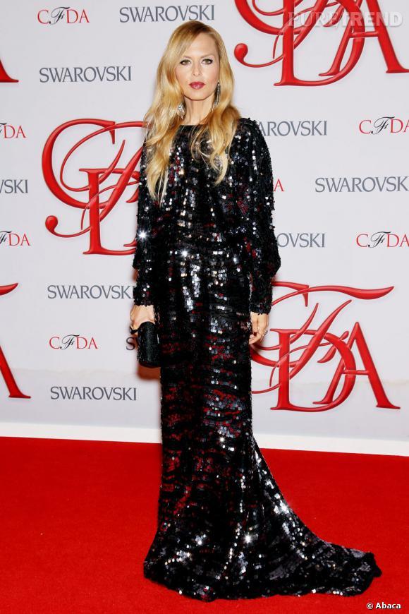 La styliste Rachel Zoe a aveuglé la foule dans une robe noire à sequins