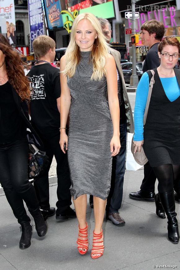 Malin Akerman arrive au studio MTV à New-York le 6 juin.