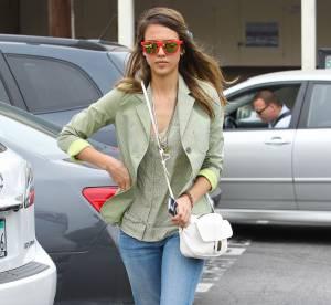 Jessica Alba, déferlante fluo... A shopper !
