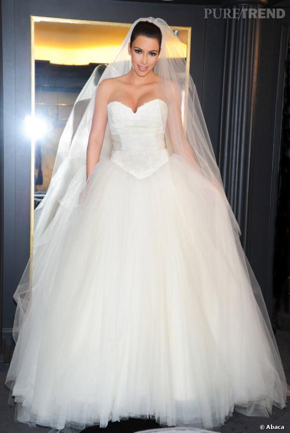 """Kim Kardashian, l'une des nombreuses mariées a avoir dit """"oui"""" en Vera Wang... Et a avoir divorcé."""