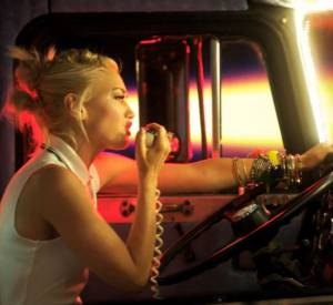 "Le groupe No Doubt se reconvertit en routiers pour le clip ""Settle Down"""