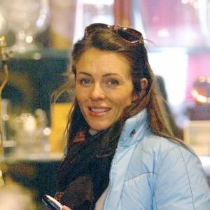Top : Liz Hurley est une belle femme avec ou sans maquillage.