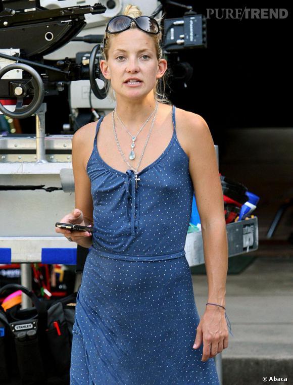 Flop :  Kate Hudson fait un peu peur sur cette photo. Le combo grimace + no make up + cheveux tirés ne la met pas à son avantage.